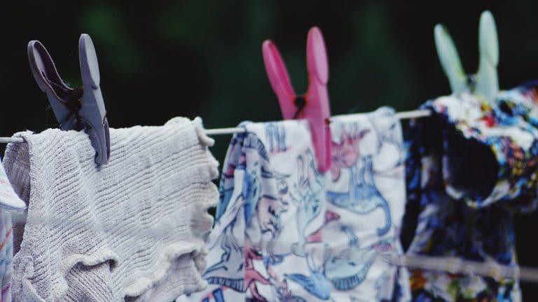 decrassage-couches-lavables-comment-faire-et-pourquoi-alternatives-bio-naturelles-stokabio
